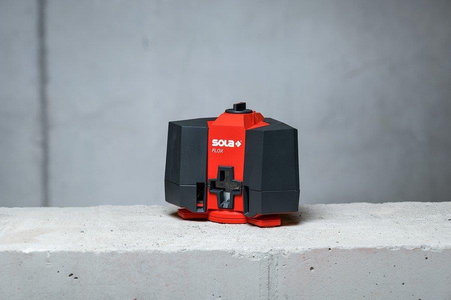 Křížový a podlahový laser Sola Flox